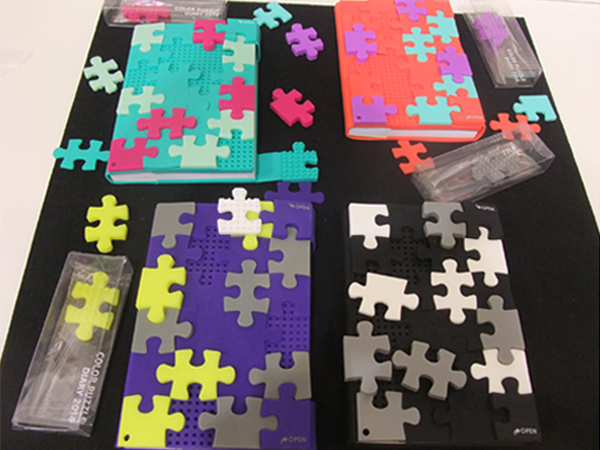 Marks' silicone notebooks puzzle