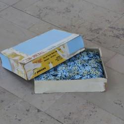 Unnamed_0.1.2.1.1.1.2_1 puzzle de 4000 pièces, bombe Molotow #091 shock bleu pastel, 38 x 28 x 9.5 cm vue de l'exposition «Le générique du début», La Serre, Saint-Étienne