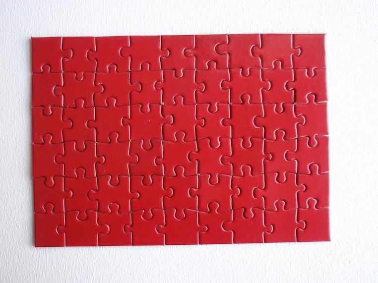 Eric Rutten Puzzle monochrome rouge